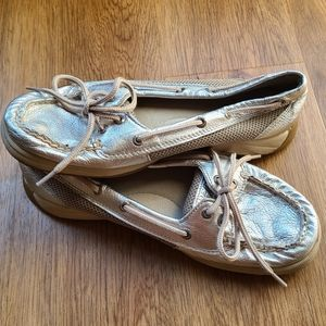 《SPERRY》Metallic Silver Topsiders
